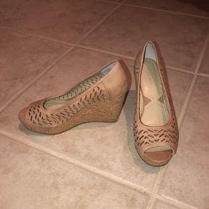 9.5 tan leather peep toe wedges